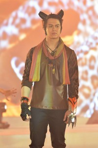 Enrique Gil as the tiger